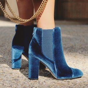 Sam Edelman blue Velvet booties (bin1363)
